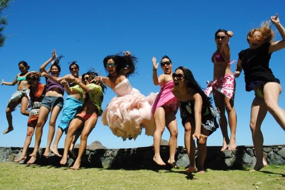 wreck the dress photos hawaii fashion fiend