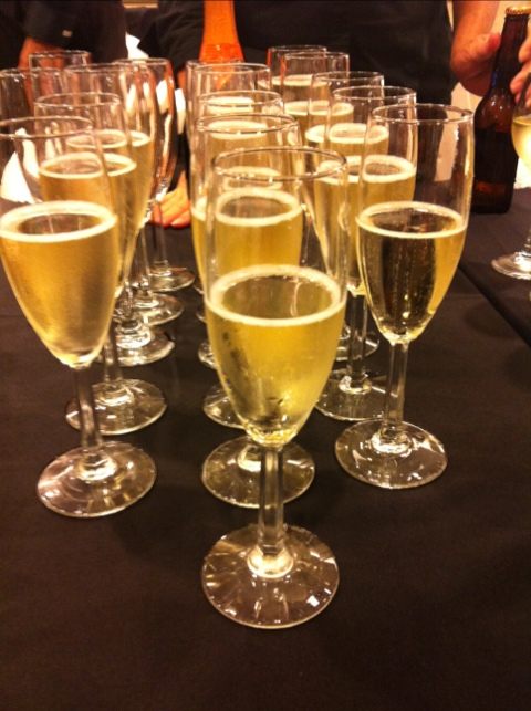 nordstrom-hawaii-fashion-event-champagne